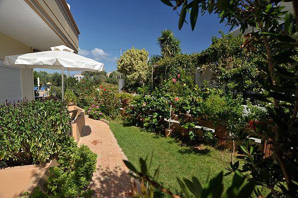 Marianna apartments garden